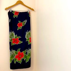 Sarong dress with side ties for different styles.